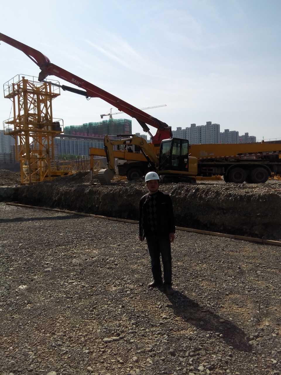 乌鲁木齐万达广场正在紧张施工中